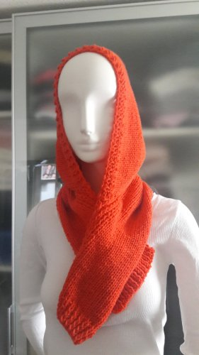 Bufanda con capucha rojo