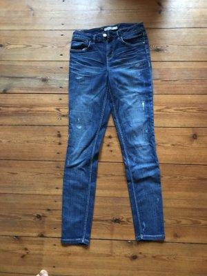 Karen Millen: dunkelblaue Jeans, High Waist, Destroyed denim, Ripped, High Waist, Gr. 36/ 4