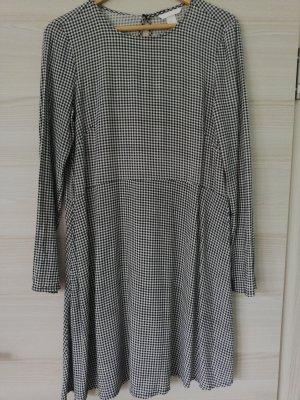 H&M Vestido de manga larga blanco-negro