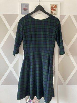Kariertes Kleid mit Seitentaschen