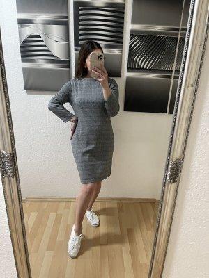 Kariertes Kleid von Infinity, Größe M/38, Top Zustand