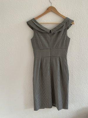 Kariertes Strenesse Kleid mit tollem Ausschnitt