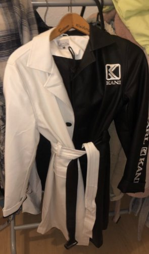 Karl Kani Manteau en cuir noir-blanc