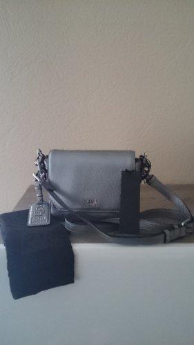 Karl Lagerfeld Bolsa de hombro gris Imitación de cuero