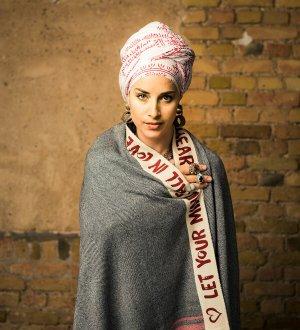 Sjaal van kasjmier zilver-karmijn Wol
