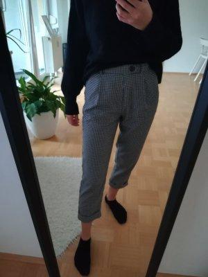 Stradivarius Peg Top Trousers white-black