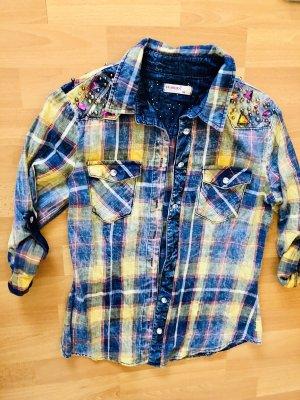 Karriertes Designer Jeanshemd mit Steinchen