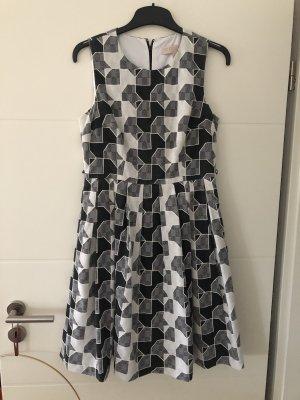 Karriertes Kleid in A - Linie Gr. M