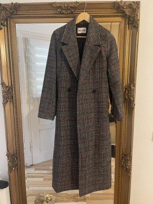 NA-KD Abrigo largo negro-color plata