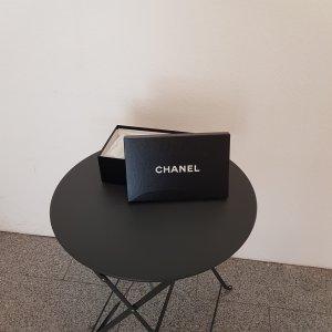 Kartonage Chanel glänzend