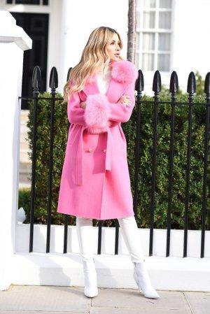 Manteau de fourrure rose cachemire
