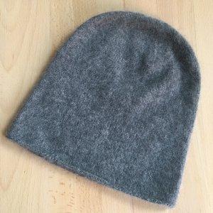 COS Chapeau en tricot gris cachemire