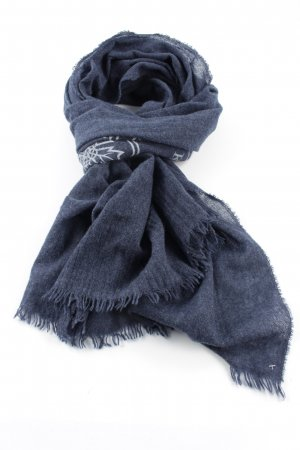 Cashmere Scarf blue casual look