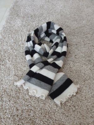Delicate Love Woolen Scarf white-black