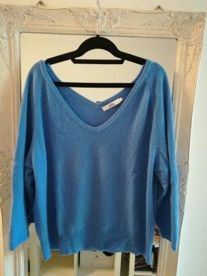 0039 Italy Pullover in cashmere azzurro