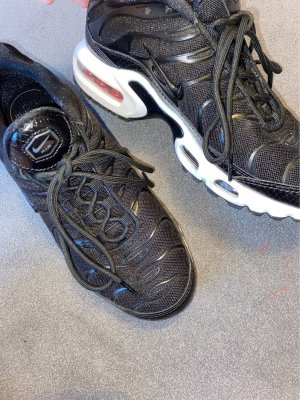 Kaum getragene Schuhe