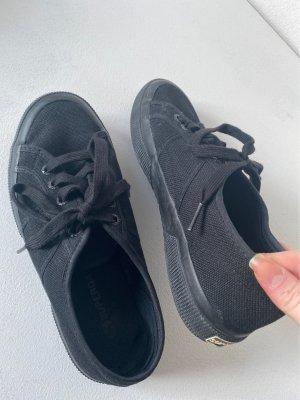 Kaum getragene Superga Sneaker
