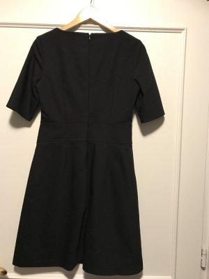 Kaum getragenes schickes schwarzes Kleid von Marie Lund