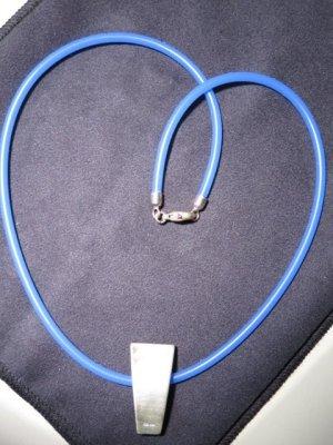 Pendentif argenté-bleu