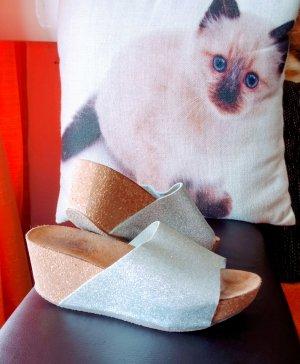 italienische Mode Zapatos de cuña color plata
