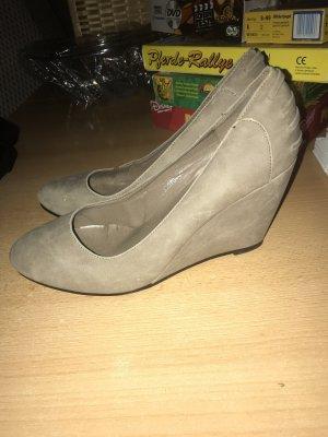 Zapatos de cuña beige-marrón grisáceo