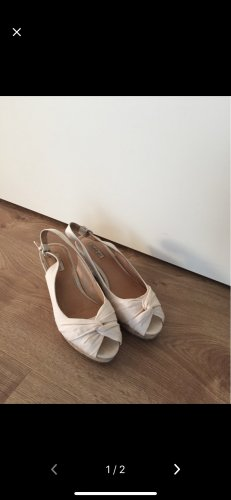 Buffalo girl Wedge Pumps cream
