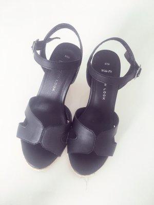 New Look Sandały klinowe na obcasie czarny-nude