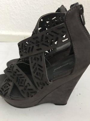 Keilabsatz Schuhe zu verkaufen