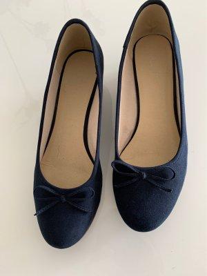 Zapatos de cuña azul oscuro