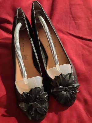 5th Avenue Wedge Pumps black leather
