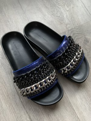 Kendall+Kylie 36-37