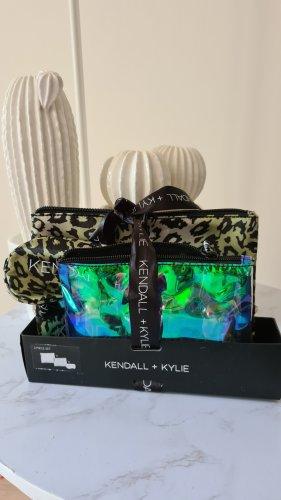 Kendall + Kylie Kulturbeutel, Schlafmaske Set