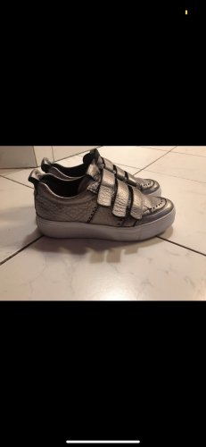 Kennel + schmenger Zapatillas con velcro color plata