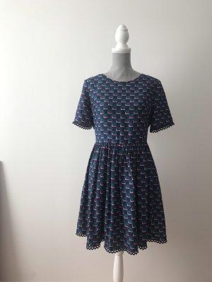 Kenzo Kleid mit schönen Details