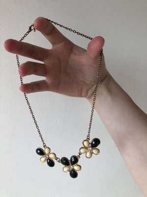 Necklace white-black