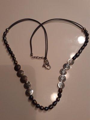 Collana di perle grigio scuro-blu
