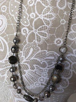 Naszyjnik z muszelek czarny-srebrny