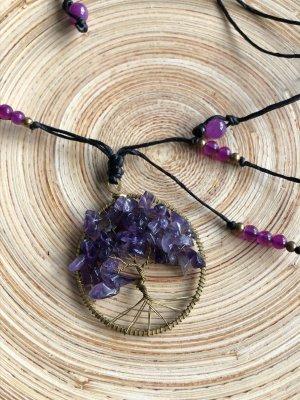 Kette Anhänger Messing Lebensbaum Halbedelsteine violett Baumwolle schwarz gewachst