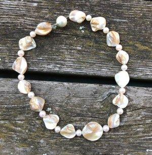 Kette aus echten Perlen