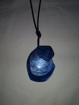 Kette Blau mit 3 Schmuckanhänger