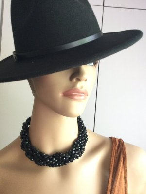 Collar de perlas negro