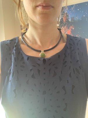 Collar negro-verde