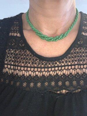 Collana verde bosco