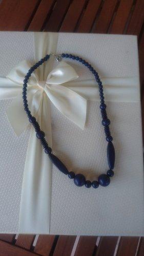 unbekannte Necklace blue
