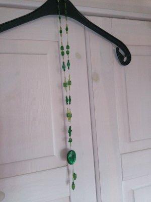 Collar de perlas verde pálido-verde