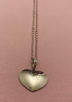 Kette mit Herzanhänger aus Metall