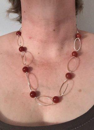 Kette mit Karneol Perlen und versilberten Ovalen, 53 cm lang