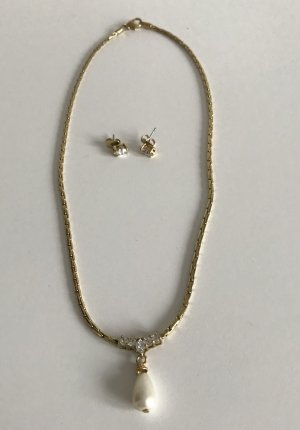 Avon Gold Chain gold-colored-white