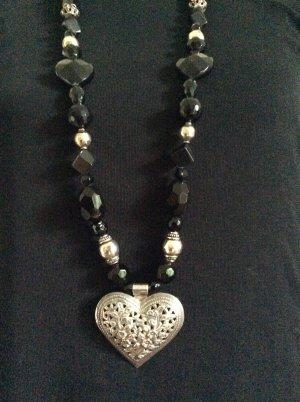 Collana di perle argento-nero