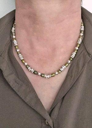 no name Naszyjnik z perłami khaki-srebrny Tkanina z mieszanych włókien